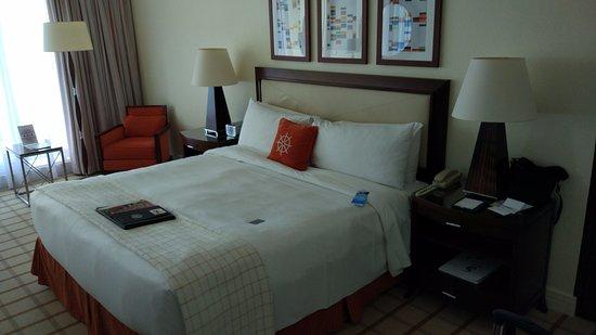 Fairmont Monte Carlo: Кровать как кровать