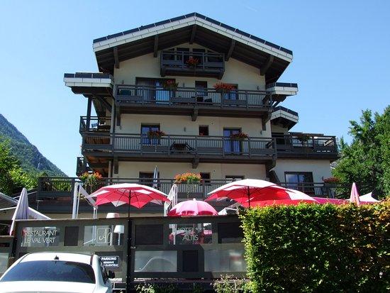 Altis Val Vert Hotel : façade de l'hôtel et terrasse