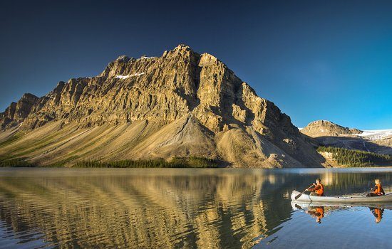 Lake Louise, Canada: Canoeing on Bow Lake