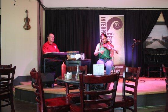 Judique, Canadá: Live Celtic music