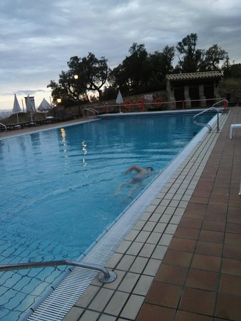 Hapimag Resort Mas Nou: 20160829_200153_large.jpg