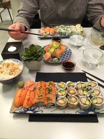 restaurant you sushi dans pau avec cuisine japonaise. Black Bedroom Furniture Sets. Home Design Ideas