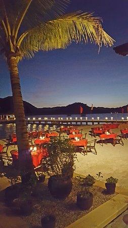 El Rio y Mar Resort: Dinner under the moonlight