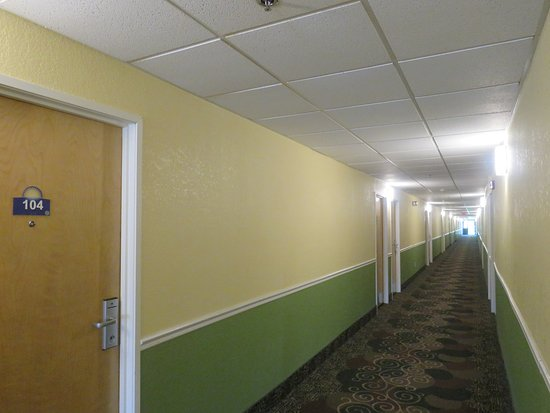 Hillsdale, MI: Interior Hall