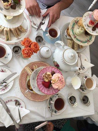 Doffy's Vintage Tea Room: photo2.jpg