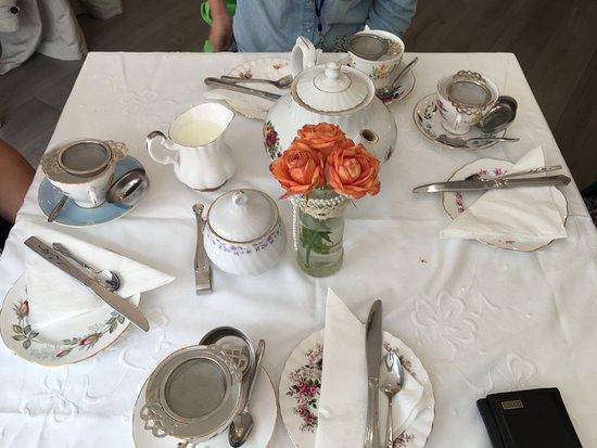 Doffy's Vintage Tea Room: photo3.jpg