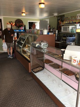 Emily's Confection: Friendly service!