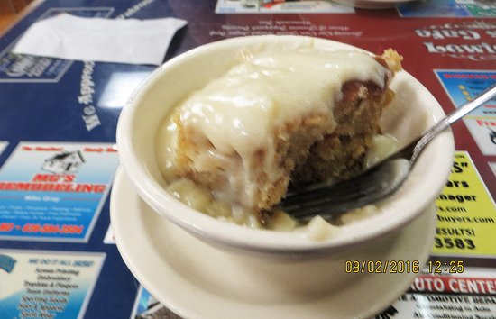 Saint Clair, MO: Bread Pudding w/ Vanilla Sauce