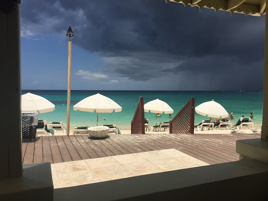 Holetown, Barbados: Storm out to sea !