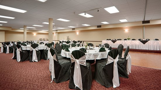 Best Western Wayside Inn : Our Centennial ballroom great for weddings or corporate events up to 220 people