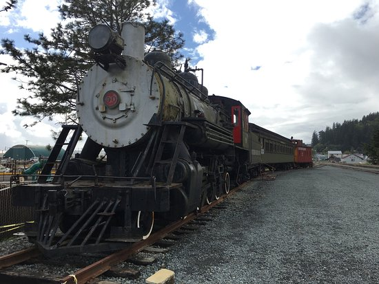 Old trains on display by the Garibaldi Harbor
