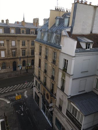Grand Hotel du Loiret: vista para a Rue de Rivoli