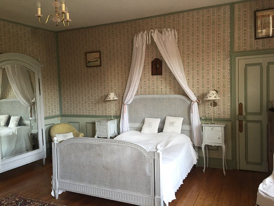 Cheret, France : Beautiful rural retreat with amazing rooms at a remarkable price for 2 adults & 1 child, also ni