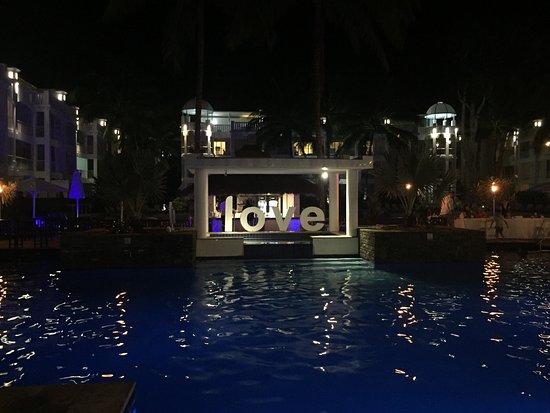 Peppers Beach Club & Spa: From the lobby, an oasis awaits
