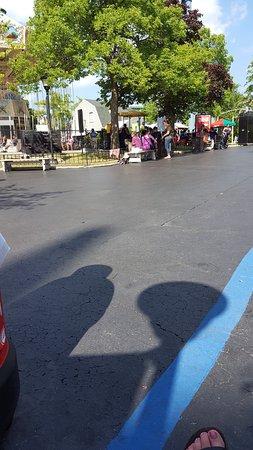 Six Flags Great America: Het park is ruim opgezet. Er zijn speciale rookzones, er zijn voldoende toilletten en watertappu