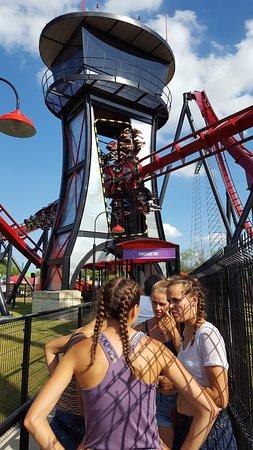 Six Flags Great America: X Flight