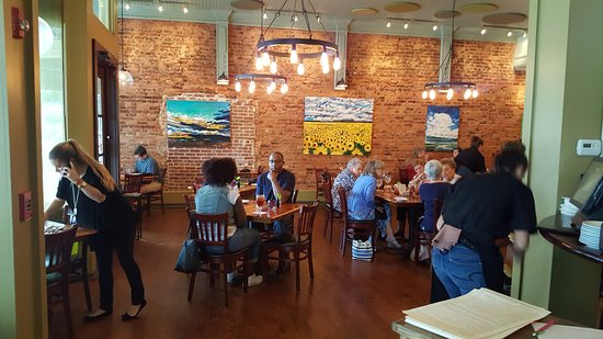 Quaint Surroundings Picture Of Grits Cafe Forsyth Tripadvisor