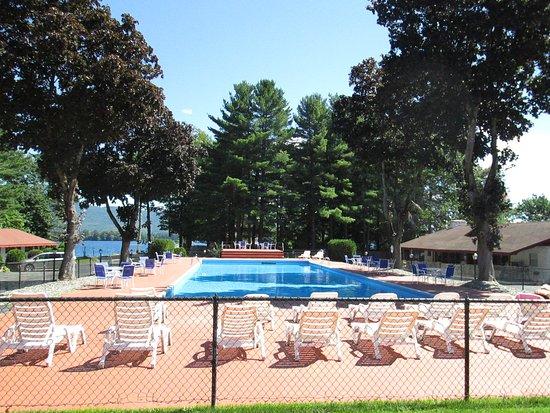 Olympian Village Resort: Olympic size pool