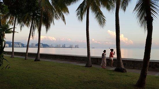 Eastern & Oriental Hotel: Waterfront