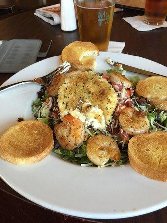 Cheboygan, MI: Fried goat cheese salad with shrimp