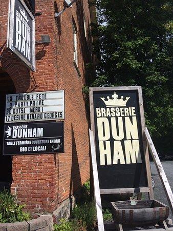 Dunham, Canada: Entrée de la brasserie