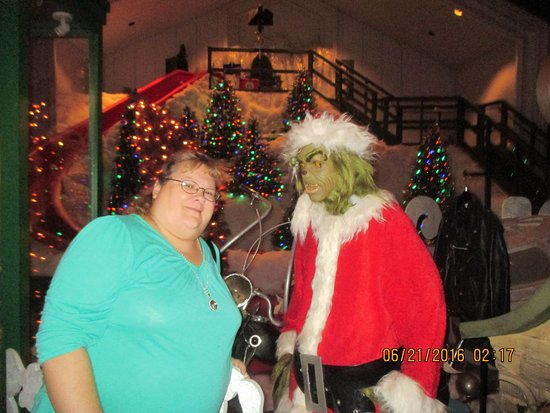 Me and the Grinch! See the slide in the background