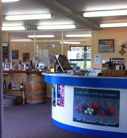 Mamaku, New Zealand: Shop and counter
