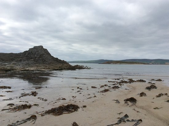 One of the larger rocky outcrops on Banna Strand