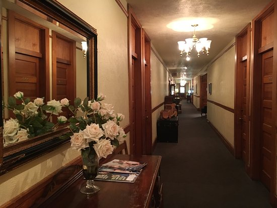 McCloud Hotel Picture
