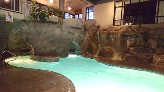 Sidney James Mountain Lodge: 20160902_225947_large.jpg
