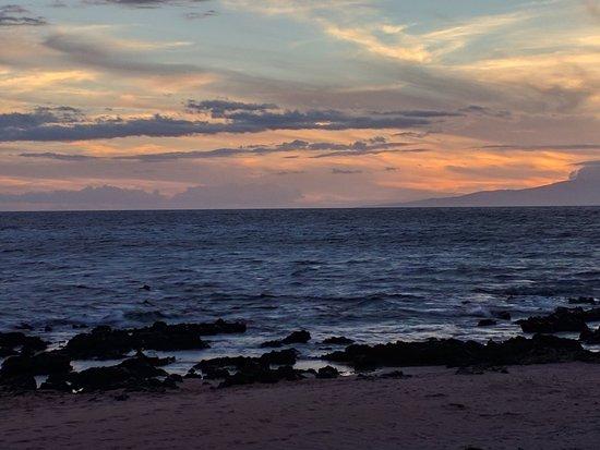 Days Inn Maui Oceanfront: IMG_20160809_185834_large.jpg