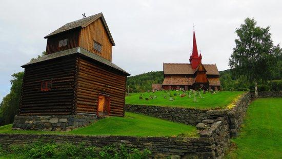 Ringebu Stave Church: très bel environnement