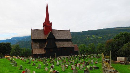 Ringebu Stave Church: et son cimetière
