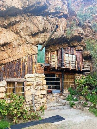 Makkedaat Caves: 20160901_145359_large.jpg