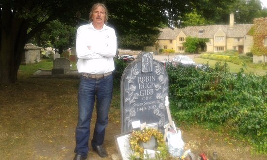 Thame, UK: nice to see robins final resting place