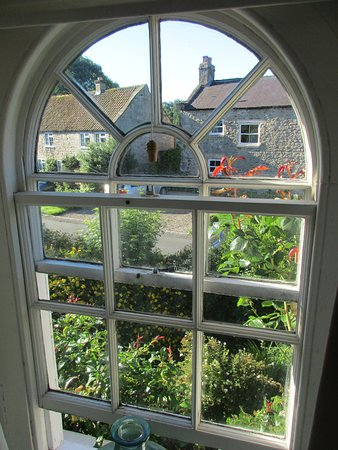 Mickley Bed and Breakfast: View from within The Blue Room