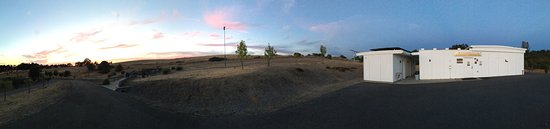 Placerville, Califórnia: Panoramic at sunset. So tranquil and relaxing.