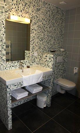 Plouer sur Rance, ฝรั่งเศส: salle de bain