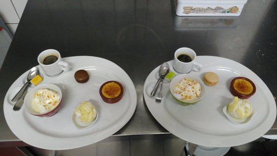 Verneuil, France : Café gourmand