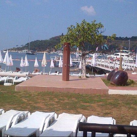 Ada Beach Club: Güzel plaj...