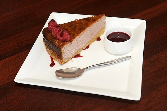 Stonegrill Steakhouse: cheesecake