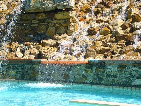 Piscina foto di mulino di quercegrossa quercegrossa - Immagini di piscina ...