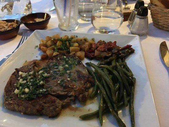 Najac, Frankrike: escalope de veau