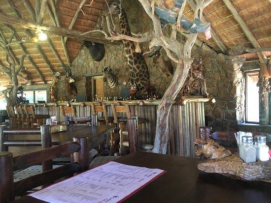 Hammanskraal, Sudáfrica: A la carte meals in Kubu Restaurant