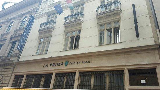 La Prima Fashion Hotel: IMG-20160813-WA0082_large.jpg