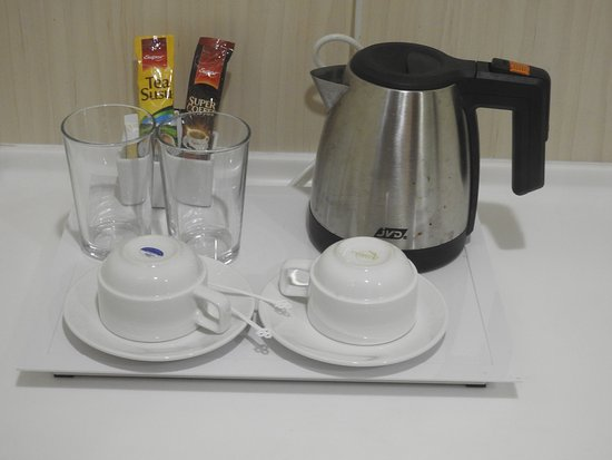 Park View Hotel: Electric kettle / Coffee maker
