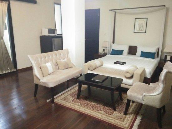 Marbella Pool Suite: IMG20160830140421_large.jpg