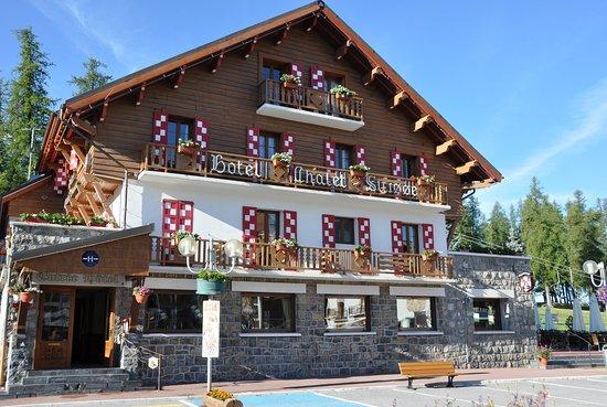 Le Chalet Suisse: Hôtel Chalet Suisse en été