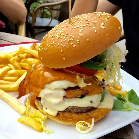 Kopstal, Luxembourg : 🔫 der Peng-Peng Burger! 🔫