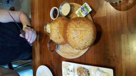 Ra'anana, Israel: לחם טרי וטעים